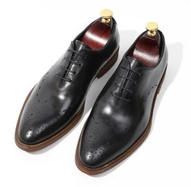 ประเทศจีน Handmade Patent Wedding Mens Leather Dress Shoes Oxfords Style With Black Striped ผู้ผลิต